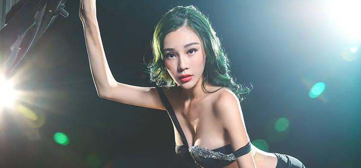 当性感女神爱上时尚迷彩Panamera